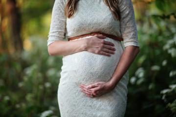 Bagaj pentru maternitate: Ce trebuie să conțină?