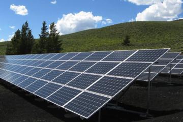 4 motive pentru a utiliza panouri solare